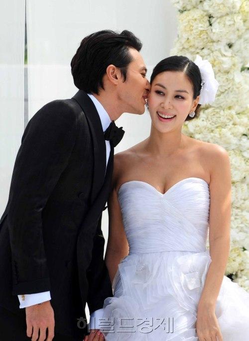 La Boda de Jang Dong Gun y Ko So Young 20100502000264_0