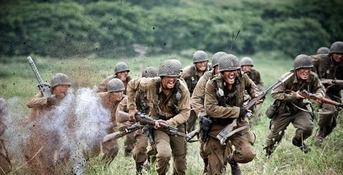 "MBC spent 13 billion won to create ""Road No. 1,"" a drama that features intense battle scenes from the Korean War. LOGOS FILM"