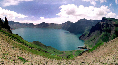 This file photo shows Heaven Lake, or Cheonji, a large lake on top of Mt. Baekdu. (The Korea Herald)