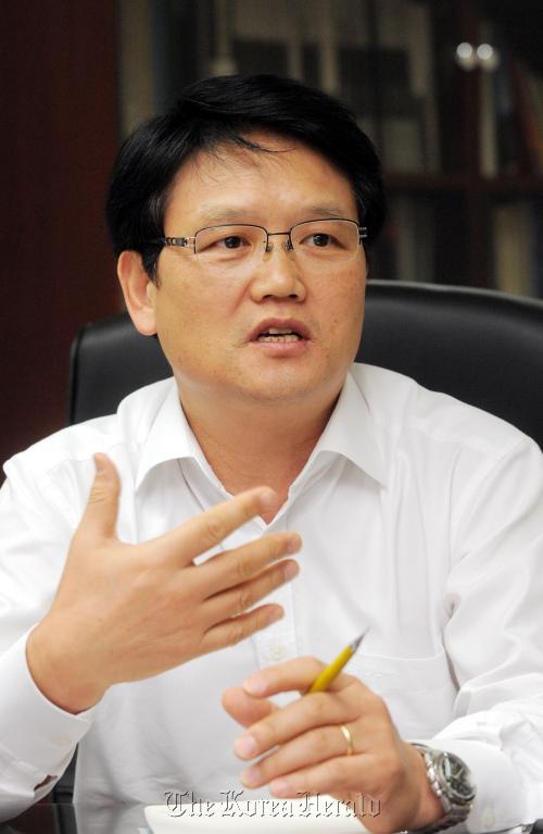 Chang Joo-ok (<b>Ahn Hoon</b>/The Korea Herald) - 20100930000904_0