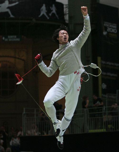 Korea's Won Woo-young celebrates after winning the men's sabre final. (AFP-Yonhap News)