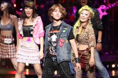 """SHINee's Onew (center) made an impressive debut with the Korean adaptation of """"Rock of Ages."""" (M Musical)"""