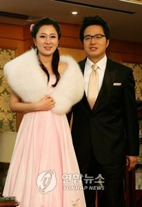 (Cho Young-gu and his wife)