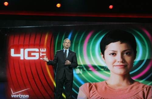 Verizon President and COO Lowell McAdam delivers a keynote address at the 2011 International Consumer Electronics Show at the Las Vegas Hilton on Thursday in Las Vegas, Nevada. (AFP-Yonhap News)