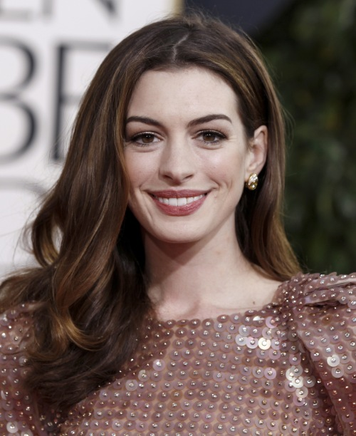 Anne Hathaway To Play Catwoman In Batman Movie