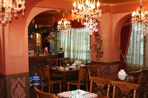 Gostiniy Dvor's interior