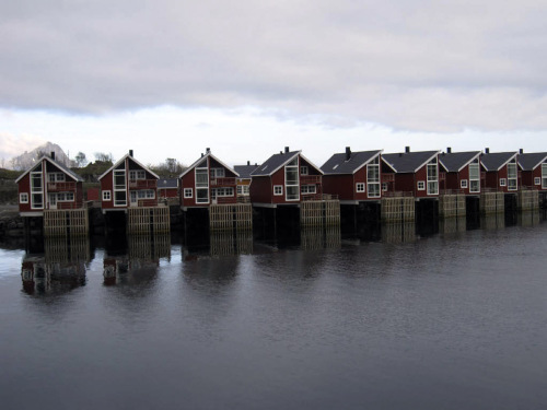 This photo, courtesy of Randall Gackley, shows homes that line Svolvaer harbor in the Lofoten Islands off the northwestern coast of Norway. (AP-Yonhap News)