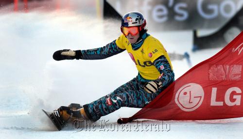 Austrian snowboarder Benjamin Karl (Park Hyun-koo/The Korea Herald)