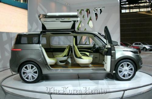 Kia's KV7 minivan concept. (Kia Motors Corp)