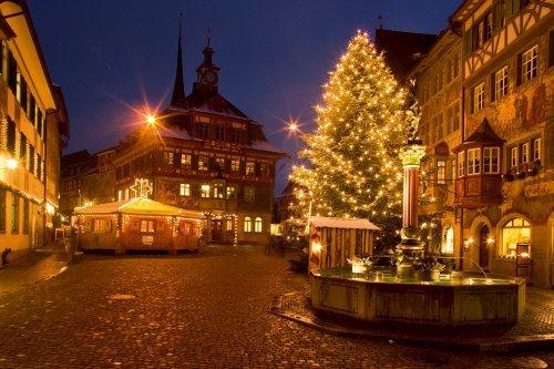 Christmas market in Stein am Rhein in Canton Schaffhausen, Eastern Switzerland(Swiss Tourism)