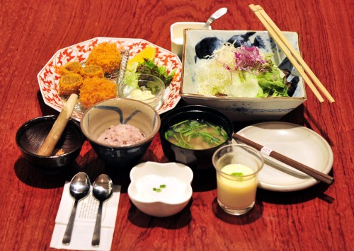 Anzu course set menu (18,000 won) includes salad with shiso cream sauce, egg custard with ginko nuts and soft chicken, tonkatsu, shrimp katsu and katsu made from burdock root and carrot. Apricot pit tofu serves as a cool ending to the meal. (Kim Myung-sub/The Korea Herald)