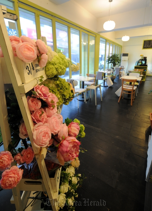A view of TORCH, a flower café in Itaewon-dong, central Seoul.