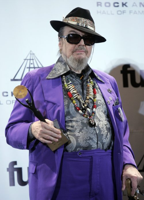 Inductee Dr. John appears backstage at the Rock and Roll Hall of Fame induction ceremony Monday in New York. (AP-Yonhap News)
