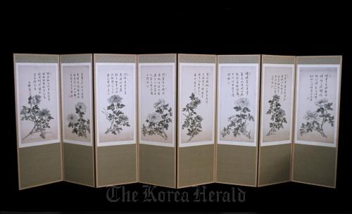 """The folding screen of Peonies"" by Joseon Dynasty artist Heo Ryeon. (Korea Foundation)"