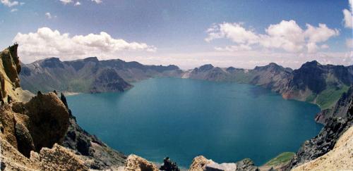 Cheonji lake at the peak of Mount Baekdu (Korea Herald file photo)