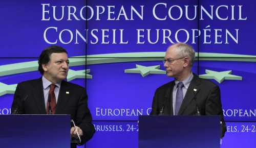 European Council President Herman Van Rompuy (right) and European Commission President Jose Manuel Barroso participate in a media conference at an EU summit in Brussels, Friday. (AP-Yonhap News)