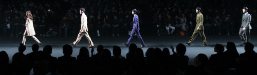 "The finale of ""Miss Gee Collection"" by Gee Chun-hee at 2011 S/S Seoul Fashion Week. (Seoul Fashion Week)"