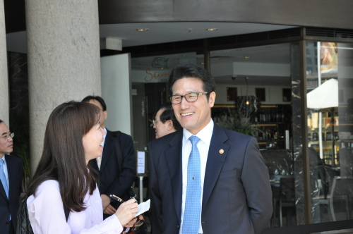 Culture Minister Choung Byoung-gug speaks during an interview with The Korea Herald in Sydney. (KOCIS)