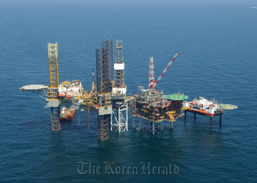 An aerial view of De Ruyter development area in the North Sea, operated by Dana Petroleum which was acquired by Korea National Oil Corp. in 2009. (KNOC)