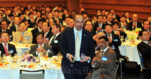 Saudi Aramco chief executive Khalid A. Al-Falih during a breakfast meeting hosted by the Korea Chamber of Commerce and Industry in Seoul on Tuesday. (Kim Myung-sup/The Korea Herald)