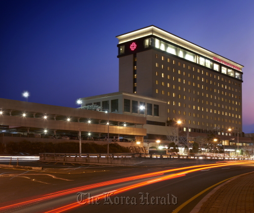 The newly-renovated Seoul Palace Hotel, which is preparing to apply for an upgrade its rating from four-mugunghwa to five-mugunghwa later this month. (Seoul Palace Hotel)