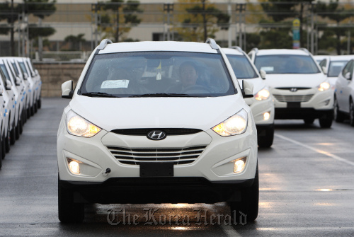 Hyundai Motor Co. vehicles bound for export at a port near the company's plant in Ulsan. (Bloomberg)