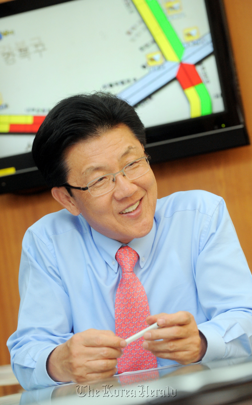 Lee Joon-ho, president of the Traffic Broadcasting System, speaks during an interview with The Korea Herald at the broadcaster's headquarters. (Ahn Hoon/The Korea Herald)
