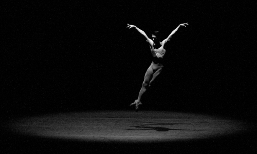 "Ballerino Kim Yong-geol's dance at ""2011 HanPAC Soloist"" (HanPAC)"