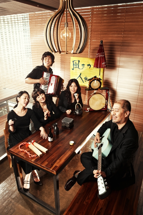 "The cast of ""Fellas of Wind"" (Doosan Art Center)"