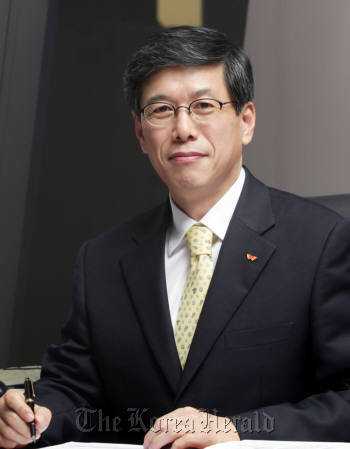 Ha Sung-min, SKT's CEO and president