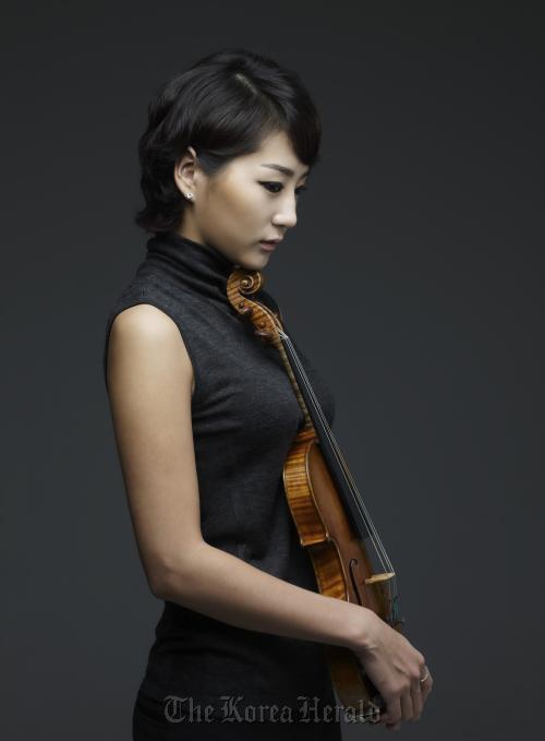 Violinist Shin Hyun-su (Credia)