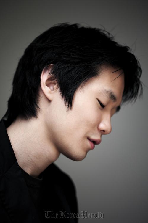 Pianist Lim Dong-hyek (Credia/Koo Bon-chang)