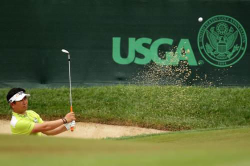 Yang Yong-eun of South Korea plays a bunker shot on the 17th hole during the first round of the U.S. Open at Congressional Country Club in Bethesda, Maryland on Thursday. (AFP-Yonhap News)
