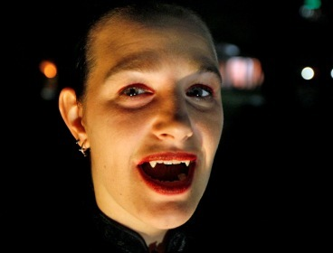 This file photo shows a self-proclaimed vampire in the U.S.(MCT)