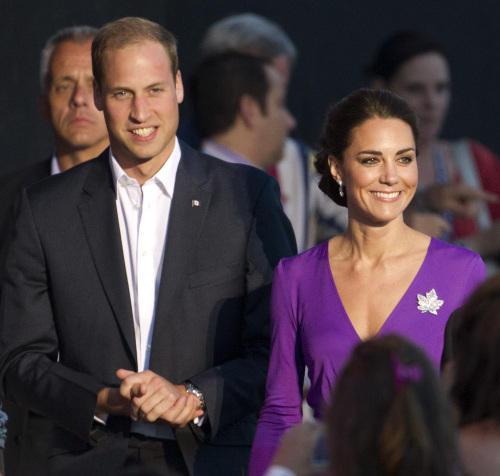 Prince William and Kate, the Duke and Duchess of Cambridge, arrive at a Canada Day celebration on Parliament Hill in Ottawa, Canada, Friday, July 1, 2011. (AP-Yonhap News)