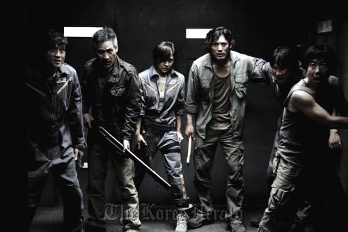 "From left: Actors Park Jeong-hak, Ahn Sung-ki, Ha Ji-won, Oh Ji-ho, Song Sae-byeok and Park Cheol-min star in ""Sector 7,"" an upcoming 3-D monster blockbuster. (CJ E&M)"