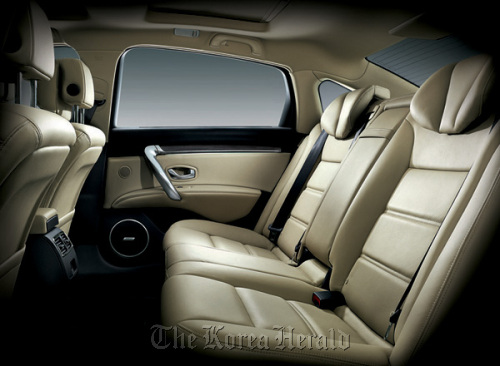 The interior of the New SM7 (Renault Samsung)