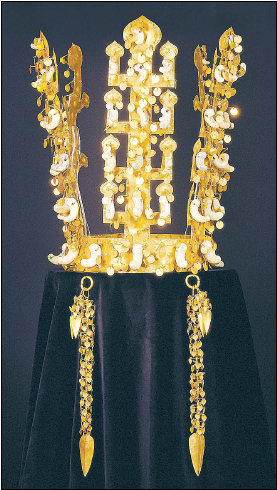 """Gold crown of Silla, excavated from the Cheonmachong, or """"Heavenly Horse Tomb"""" of the Silla Kingdom. (Gyeongju National Museum)"""