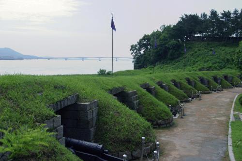 Deokjinjin Fortress on Ganghwado (Oh Ju-hwan/KTO)