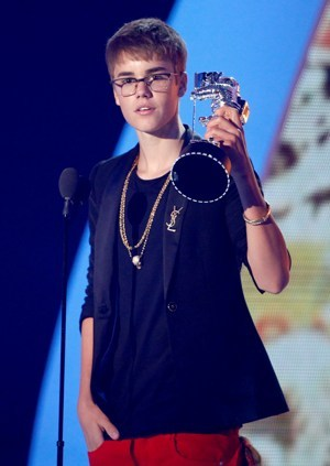 Justin Bieber accepts the award for best male video for