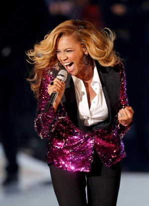 Beyonce performs at the MTV Video Music Awards. (AP-Yonhap News)