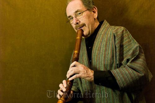 Shakuhachi (Japanese bamboo flute) musician Ralph Samuelson