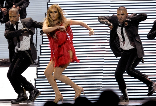 Jennifer Lopez performs during the iHeartRadio music festival on Saturday in Las Vegas. (AP-Yonhap News)