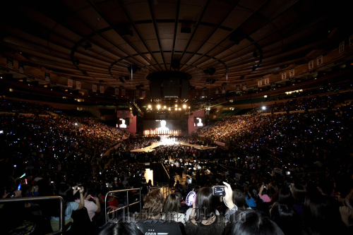 The SM Town Live World Tour is held at the Madison Square Garden in New York City on Sunday.(S.M. Entertainment)