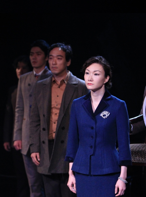 """A scene from play """"The Visit."""" (Doosan Art Center.)"""