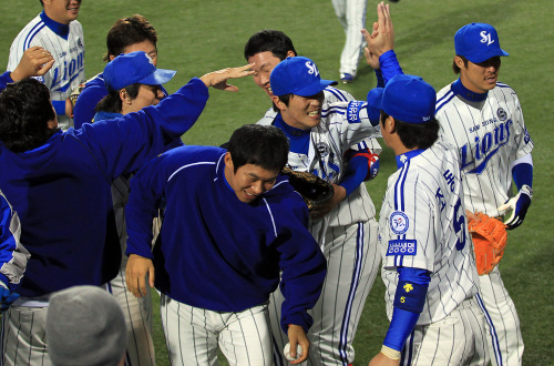 The Samsung Lions are looking to keep the good times rolling for one more game. (Yonhap News)