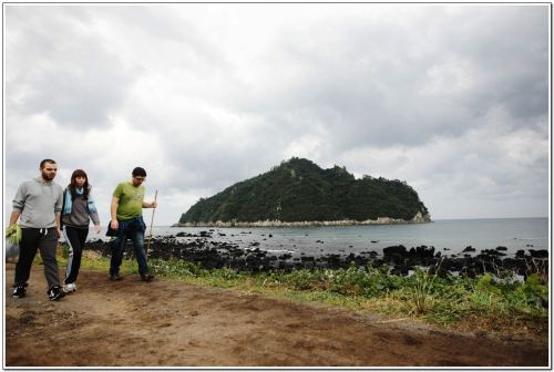 The view from the top of Aloreum, located on Jeju Island's Olle trail route No. 1 (Claire Lee/The Korea Herald)