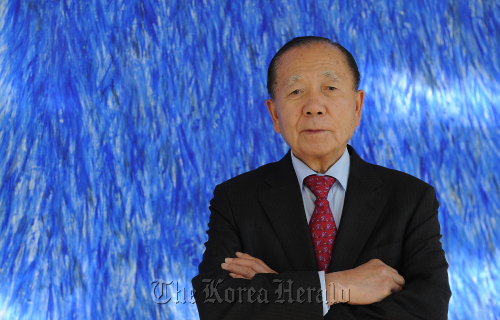 Kim Dong-ho, the founding director of BIFF and its current honorary chief, poses during an interview with The Korea Herald in Seoul, Monday. (Lee Sang-sub/The Korea Herald)