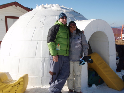 Mick Milne and his wife Elvie in Edan Valley, Korea, enjoying a Yangsan snow day before he became ill.