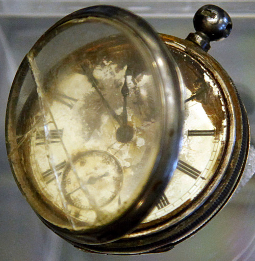 A pocket watch found in the belongings of a third class passenger named William Henry Allen is among a sampling of Titanic artifacts on preview for auction in New York. (AP-Yonhap News)